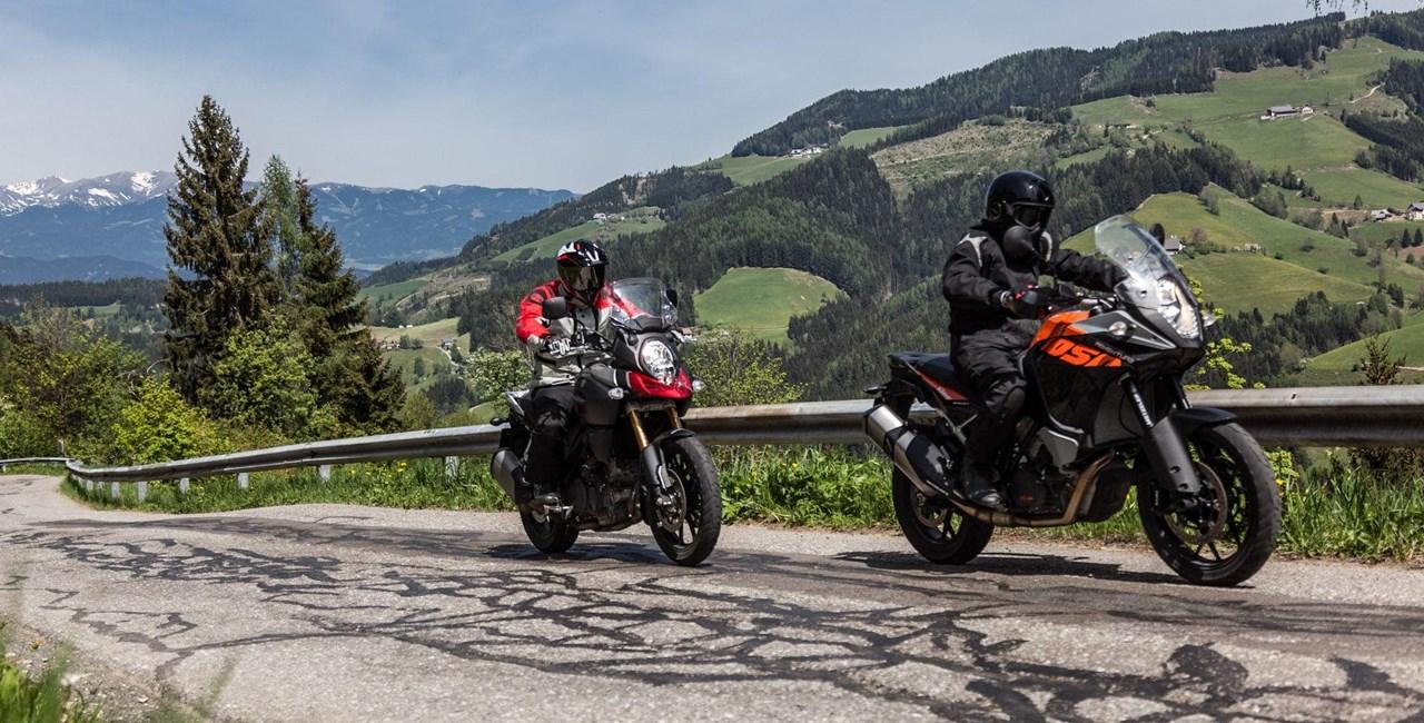 KTM 1050 Adventure vs. Suzuki V-Strom 1000