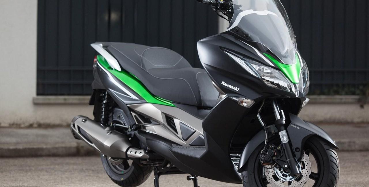 Kawasaki J300 Test 2015