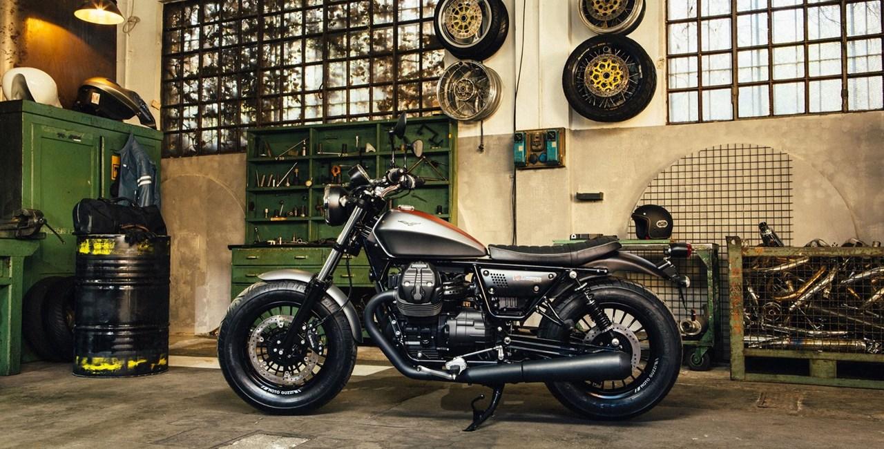 Moto Guzzi V9 Bobber vs. V9 RoamerTest 2016