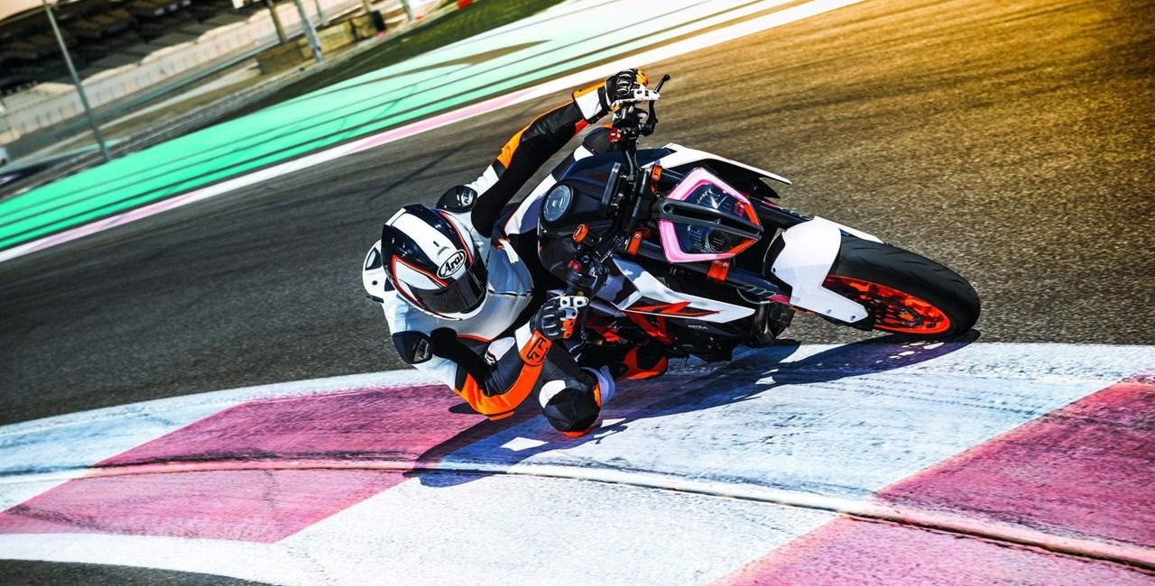 KTM 1290 Super Duke R 2017 Test