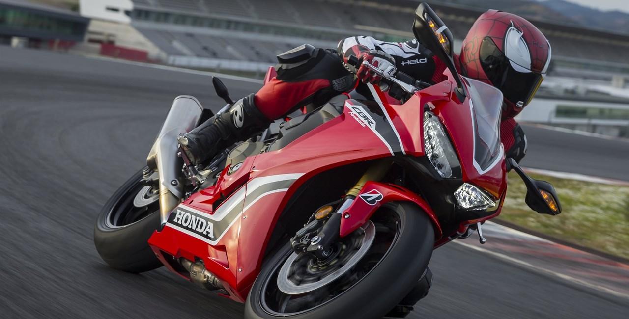 Honda Fireblade 2017 Test