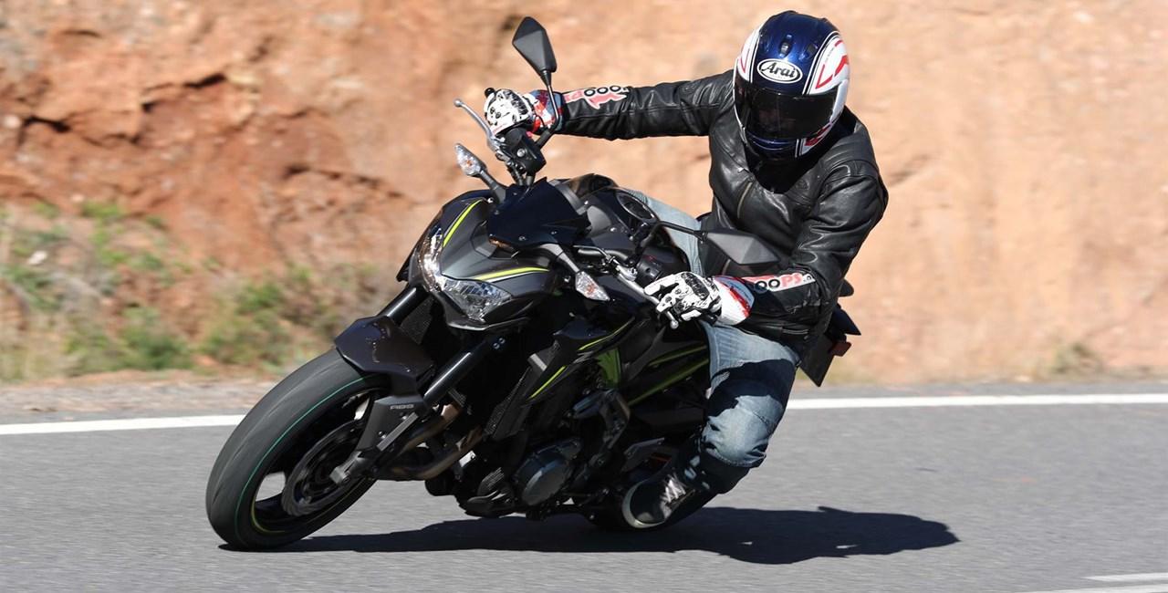 Kawasaki Z900 Test 2017