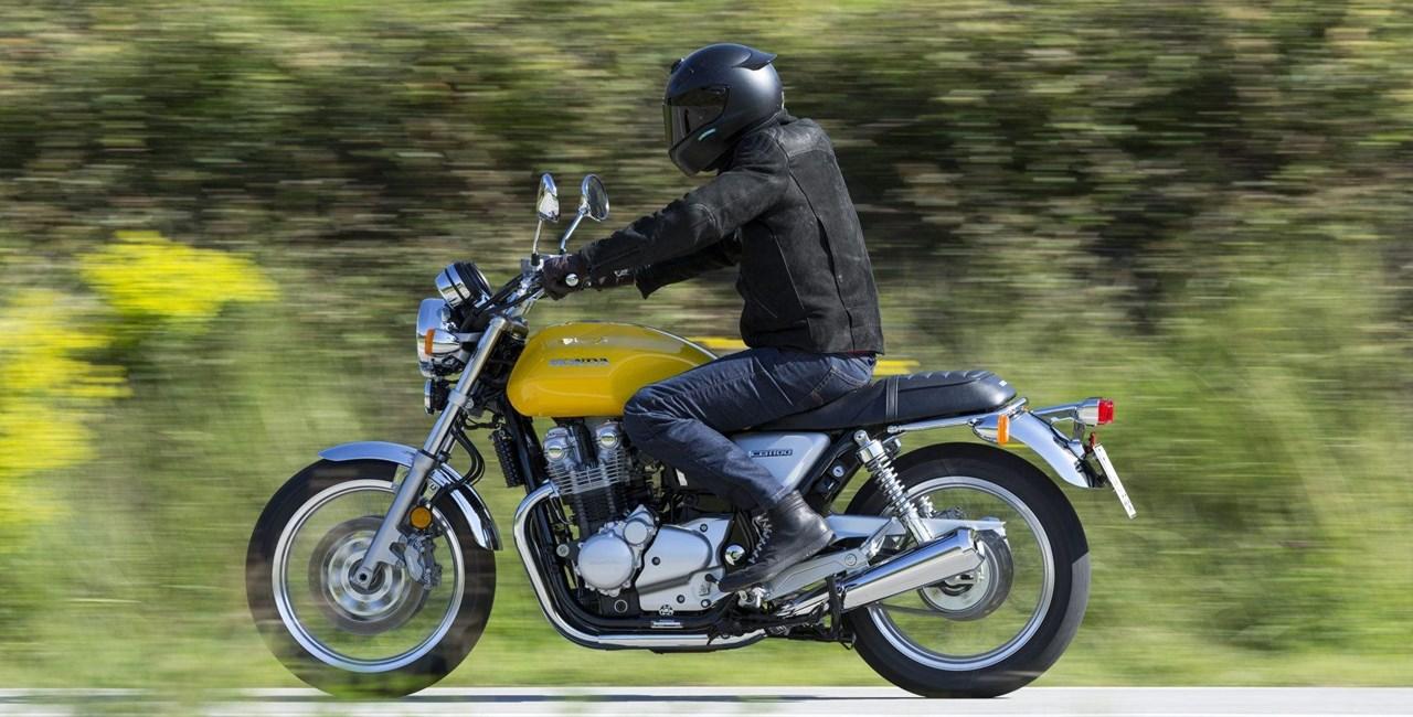 Honda CB1100EX und CB1100RS 2017 Test