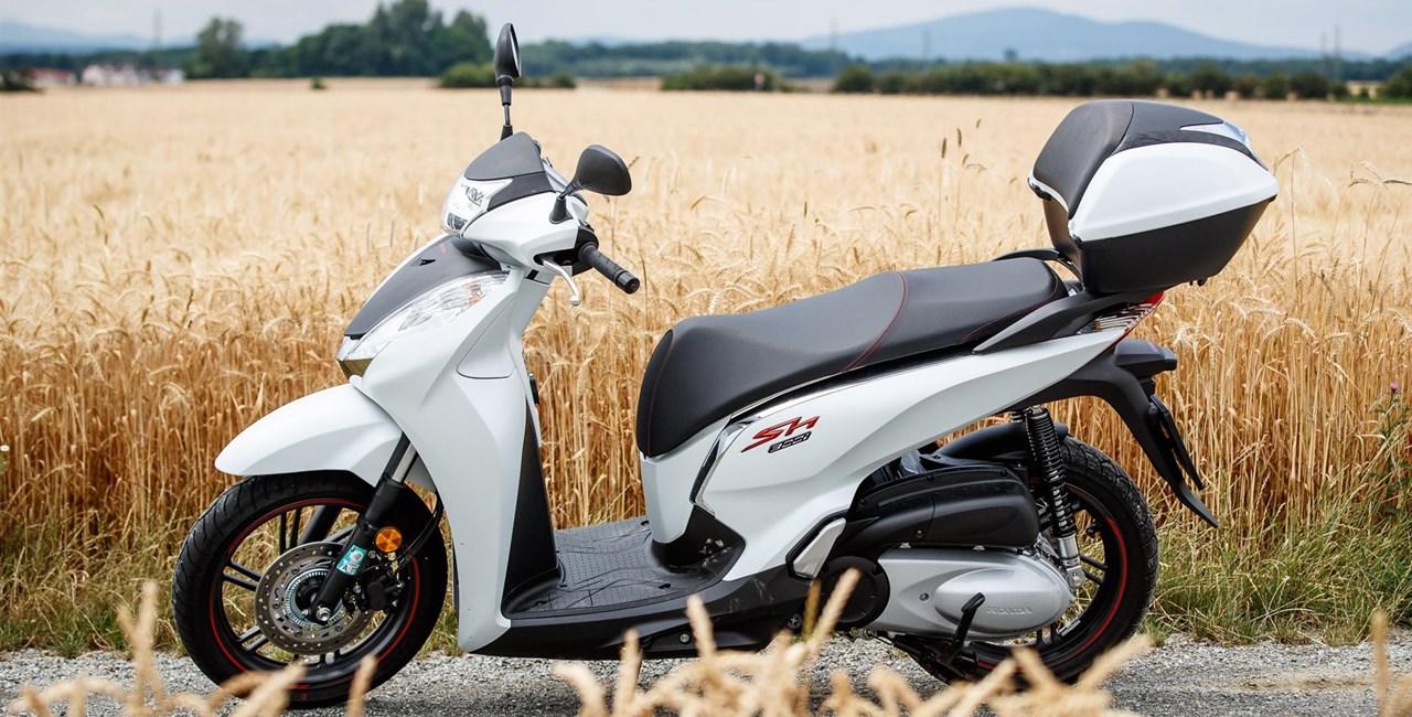 The Italian Style: Honda SH300I
