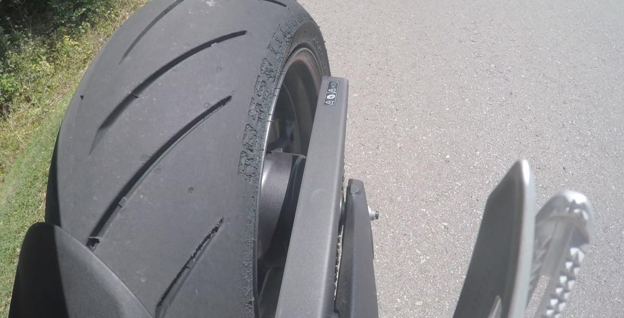 Pirelli Rosso III auf Triumph Street Triple RS Test