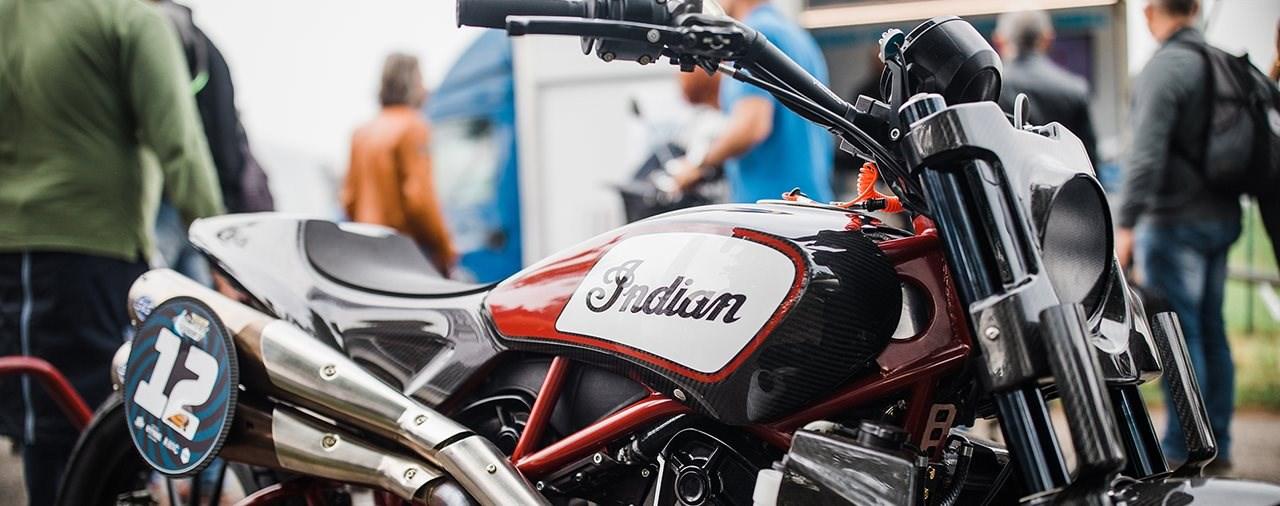 Indian Scout FTR1200 Custom siegt beim Renndebüt
