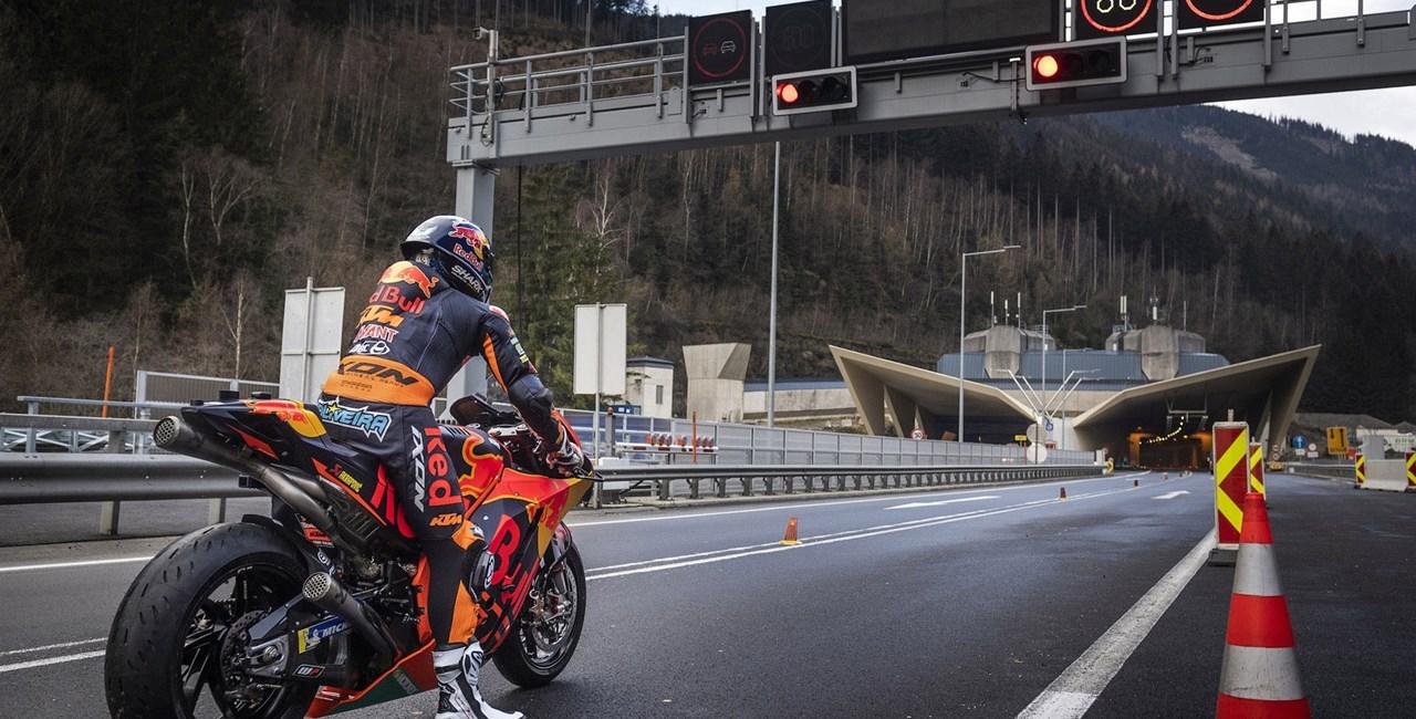 Mit dem KTM MotoGP Bike durch den Gleinalmtunnel