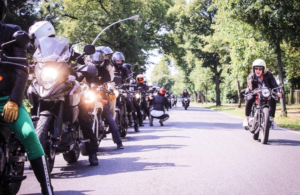 Women Riders World WHAAAT?