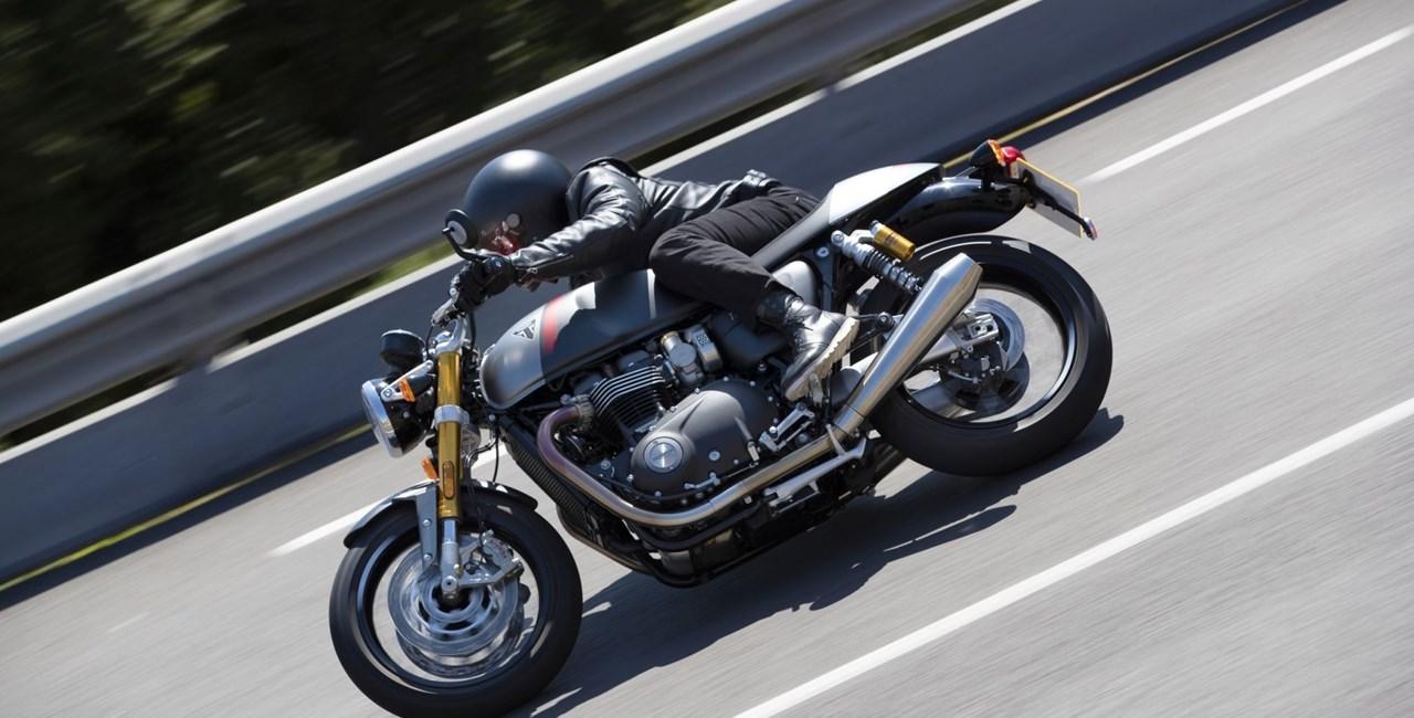 Triumph Thruxton RS Test