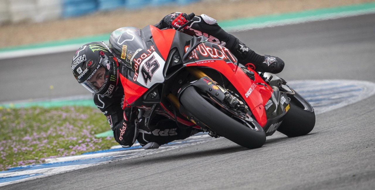 Ducati Panigale V4 S nur 4 Sekunden hinter der MotoGP