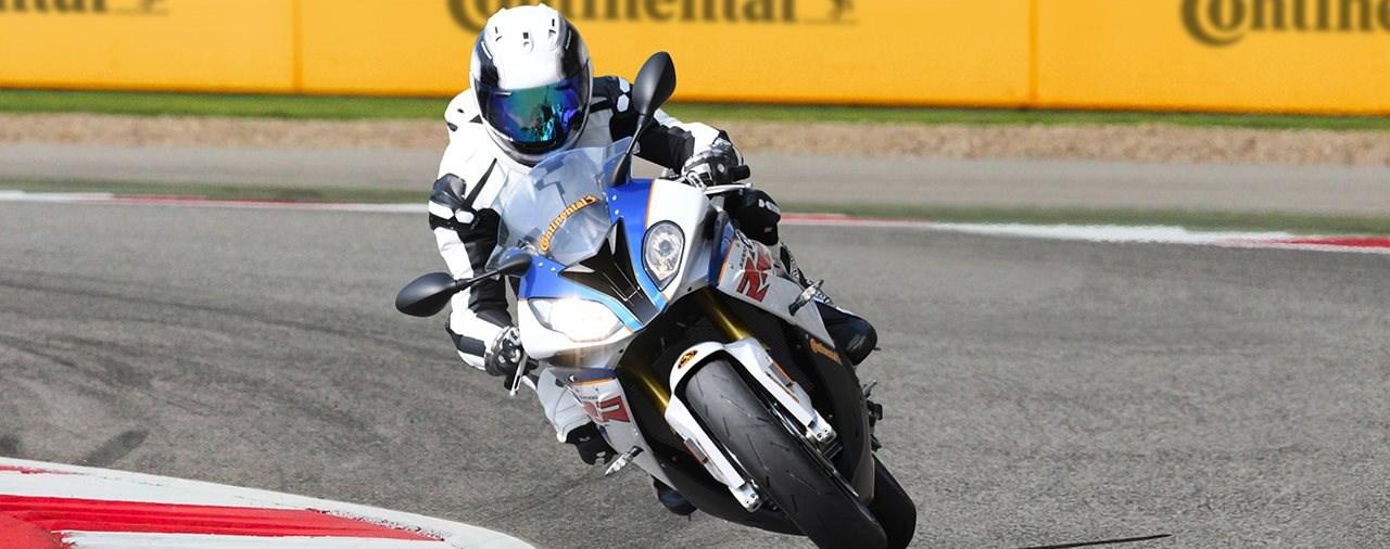 Mit Continental zum Motorrad-Perfektionstraining am Sachsenring