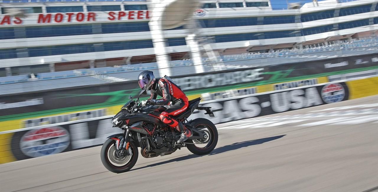 Die neue Kawasaki Z H2 im Test. Highspeed Oval & Rennstrecke!