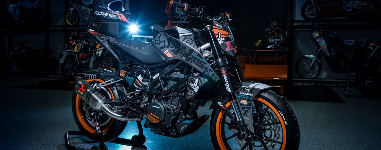 Rok Bagoros' neues KTM 250 Duke Stuntbike