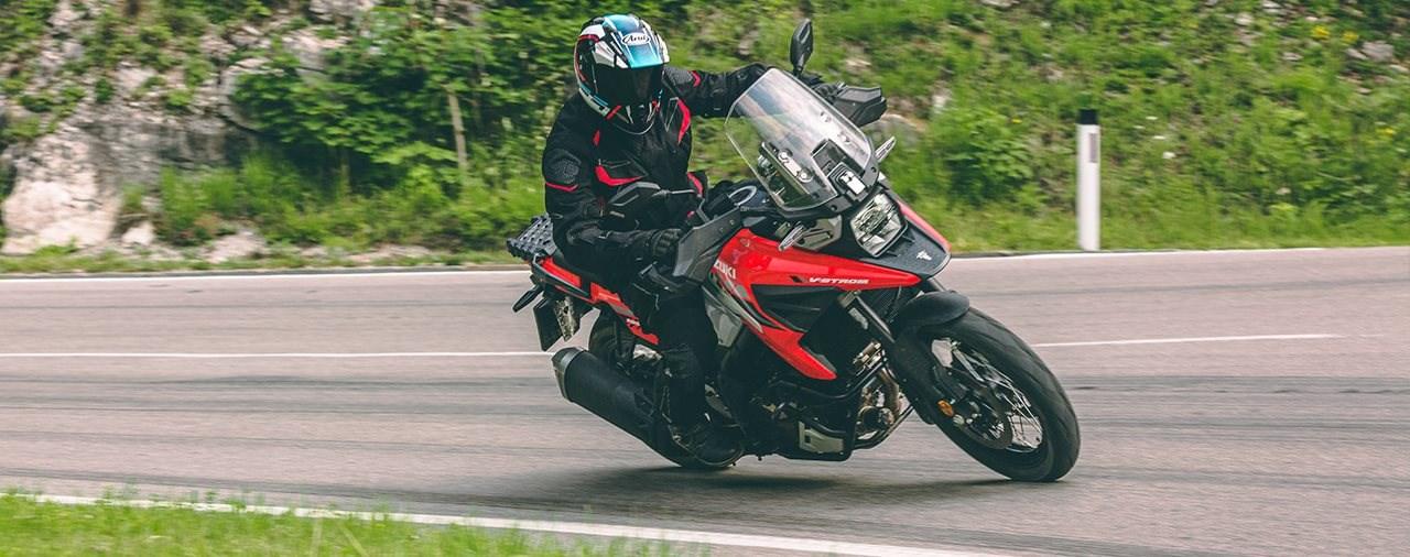 Die Suzuki V-Strom 1050 XT im Reise-Enduro Vergleichs-Test 2020