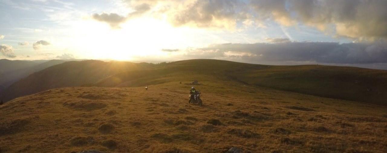 Auf Reise gehen mit Motorrad und Urlaub