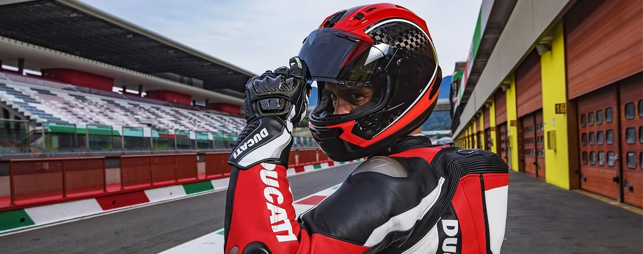 Verlängerte Garantie von 5 Jahren auf alle Ducati by Arai Helme