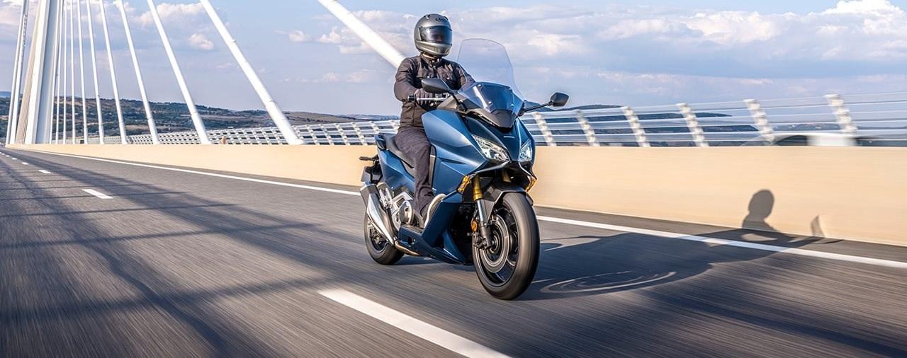 Müssen sich andere Luxus-Roller fürchten? Honda Forza 750 2021!