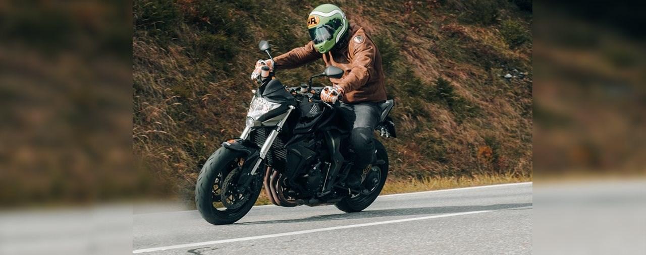 Gebrauchte Power-Naked Bikes – Honda CB1000R 2008