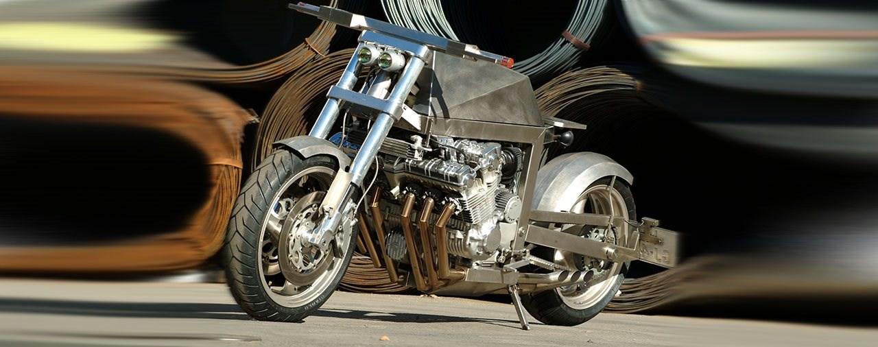 Honda CBX1000 Umbau aus dem Weltall