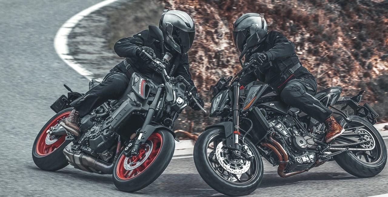 KTM 890 Duke vs. Yamaha MT-09 2021 im Vergleichs Test