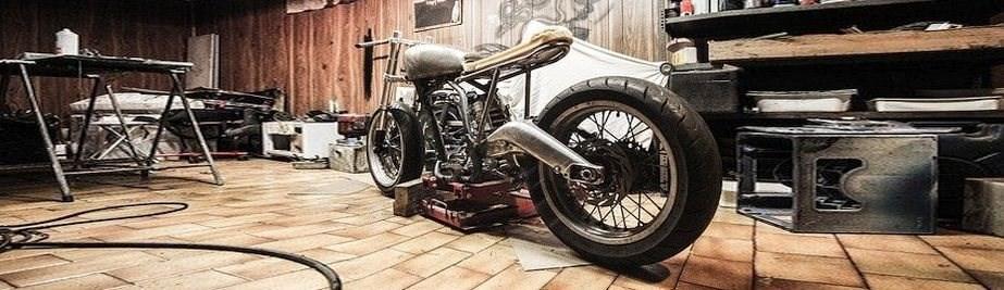 Motorradwerkstatt einrichten – Das wichtigste Equipment