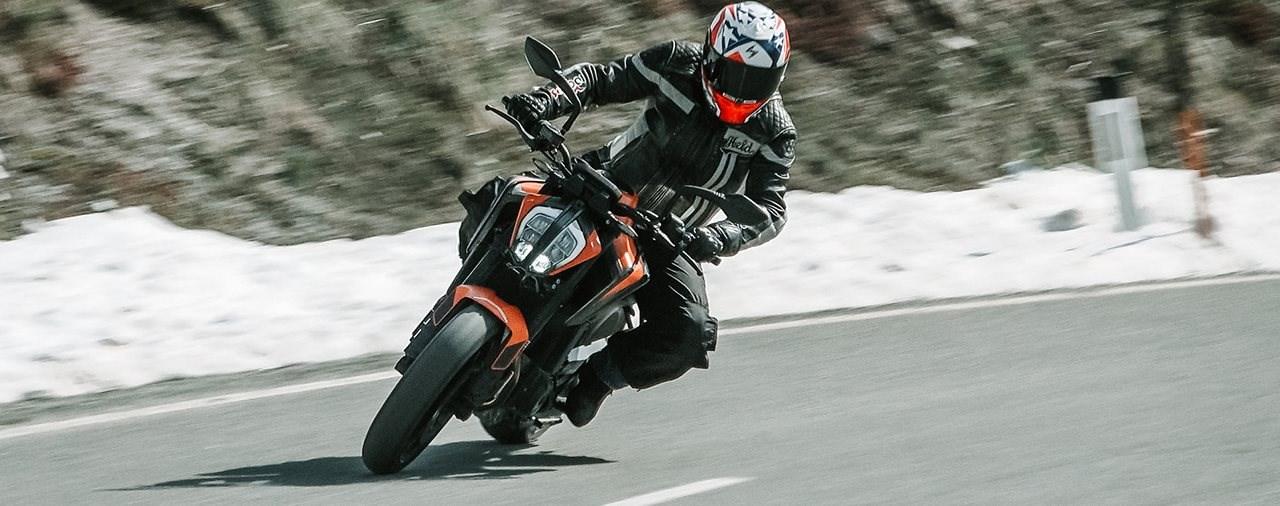 Mittelklasse Naked Bike Vergleich 2021 - KTM 890 Duke