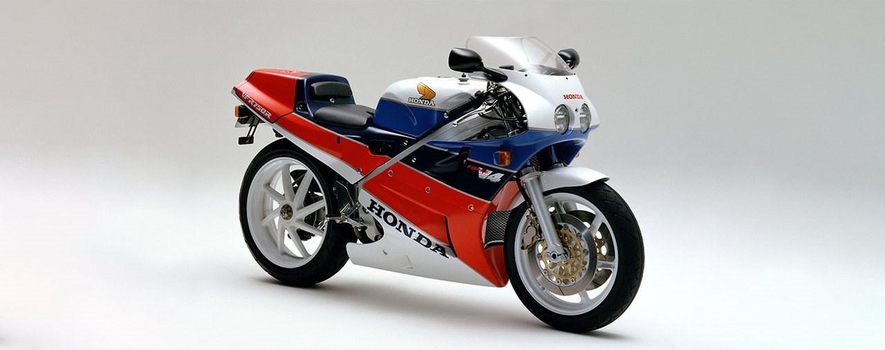 Honda baut neue Ersatzteile für die RC30