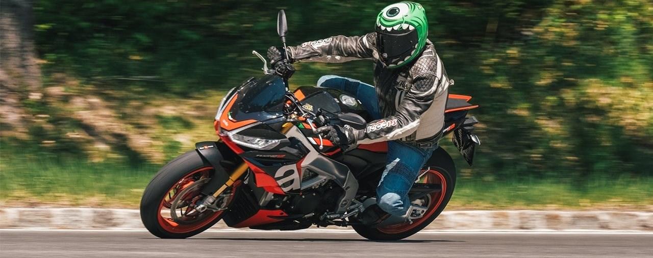Hyper Naked Bike Vergleich 2021 - Aprilia Tuono V4 1100 Factory