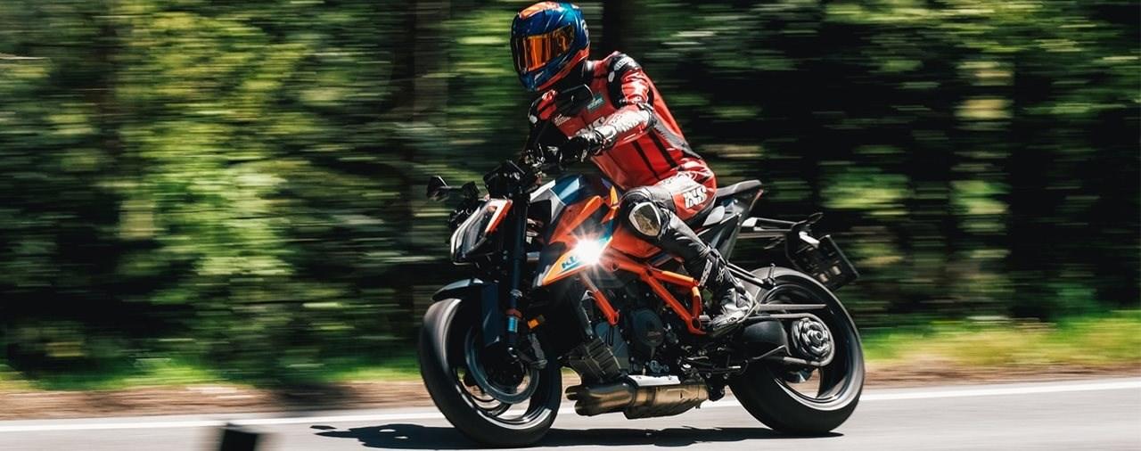 Hyper Naked Bike Vergleich 2021 - KTM 1290 Super Duke R