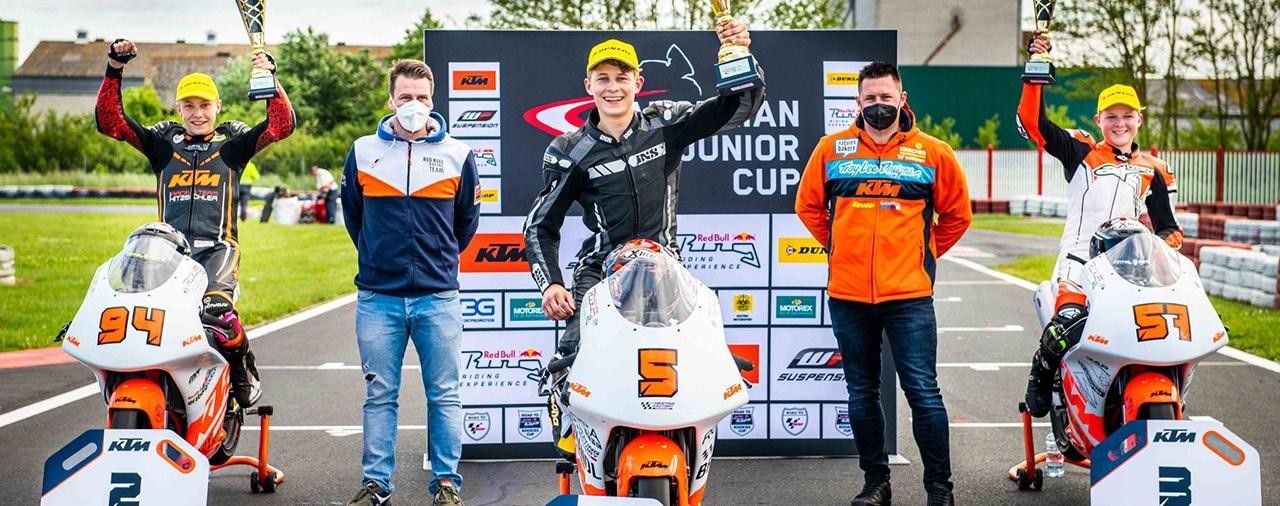 Doppelsieg am ersten Austrian Junior Cup Rennwochenende!