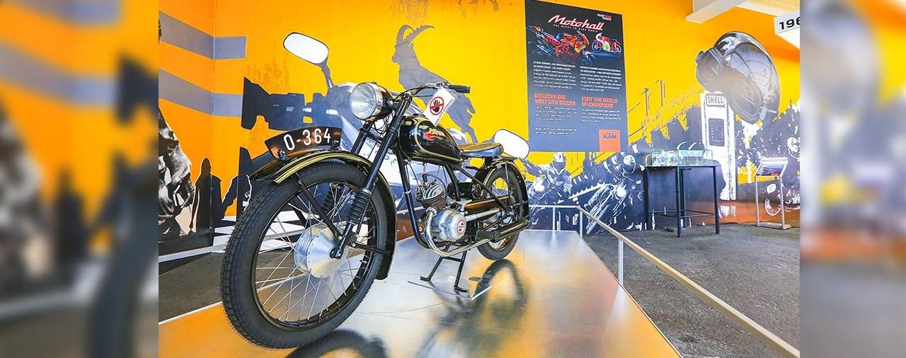 KTM Pop-Up Ausstellung auf der Großglockner Hochalpenstraße