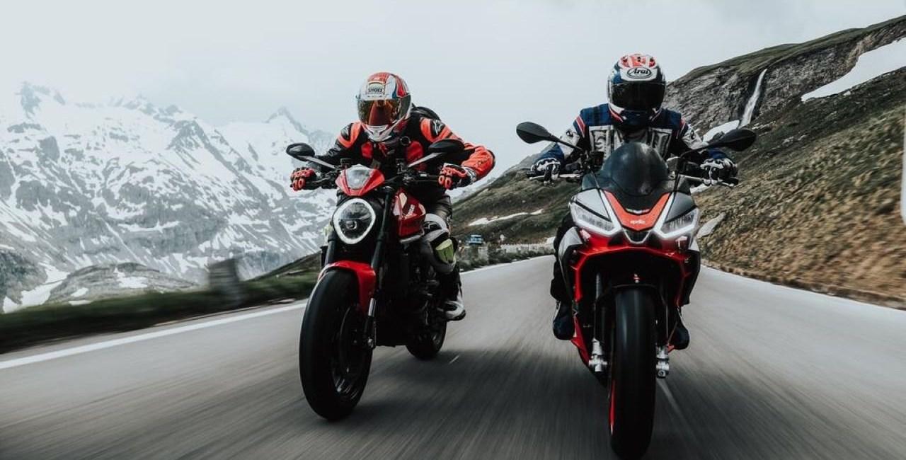 Aprilia Tuono 660 vs Ducati Monster 2021