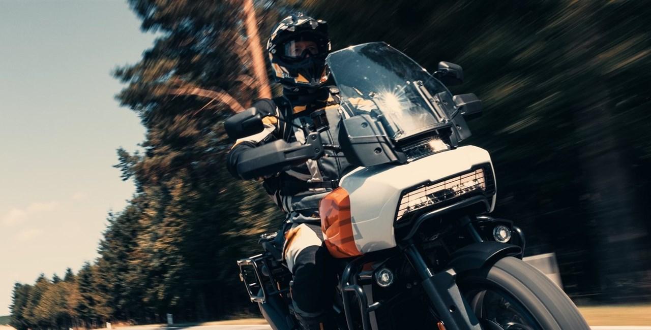 Harley-Davidson Pan America 1250 Special im Reiseenduro-Vergleich