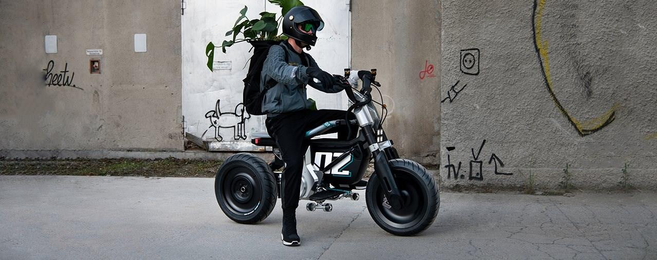 BMW Concept CE 02 2022 - Elektro Stadtflitzer der Zukunft