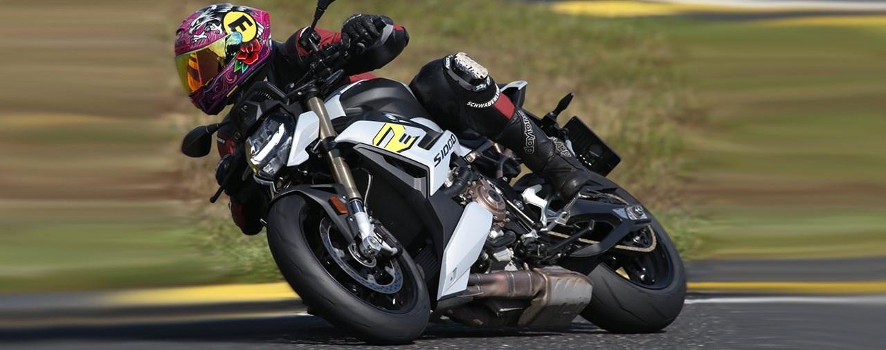 Hyper Nakeds auf der Rennstrecke 2021 - BMW S 1000 R