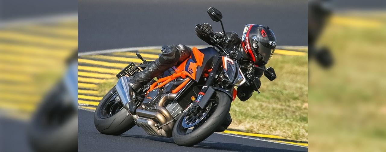 KTM 1290 Super Duke R - BMW S 1000 R - Ducati Streetfighter V4 S