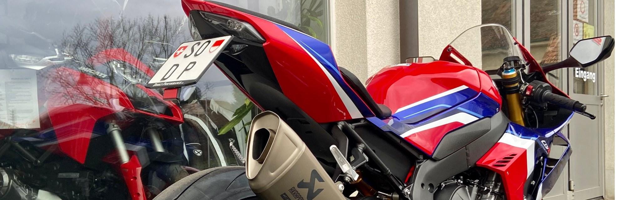 Die neue DP Moto GP-Style spezial Nummern-Halterung (verstellbar) für die 2020 Honda CBR 1000 RR-R (+SP) ab jetzt erhältlich.