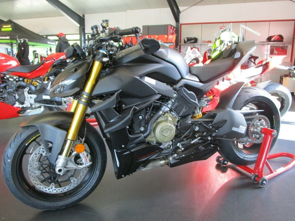 """Die neue DUCATI Streetfighter V4 """"EDIZIONE ROSSO"""" made by Team Wahlers"""