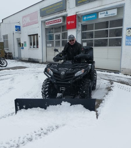 CForce 450 mit Schneeschild im Einsatz!