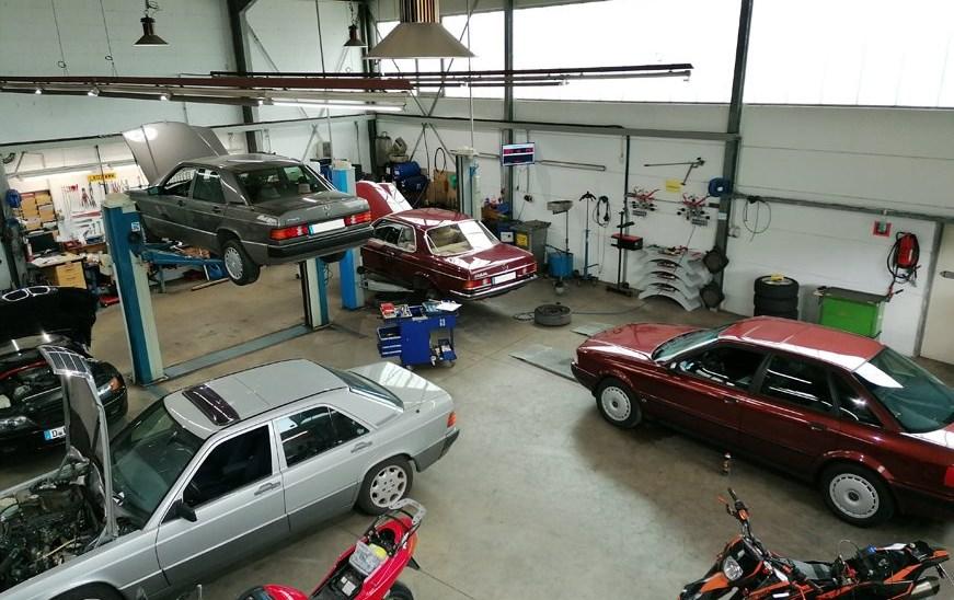 Unsere PKW Werkstatt stets zu Diensten ... :)