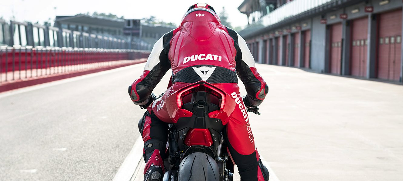 Viele unglaubliche Angebote im Ducati Shop, Rabatte bis zu 40% auf eine Auswahl für Sie ausgewählter Produkte!