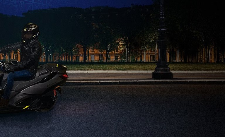 Repsonsive Der neue Peugeot Metropolis GT