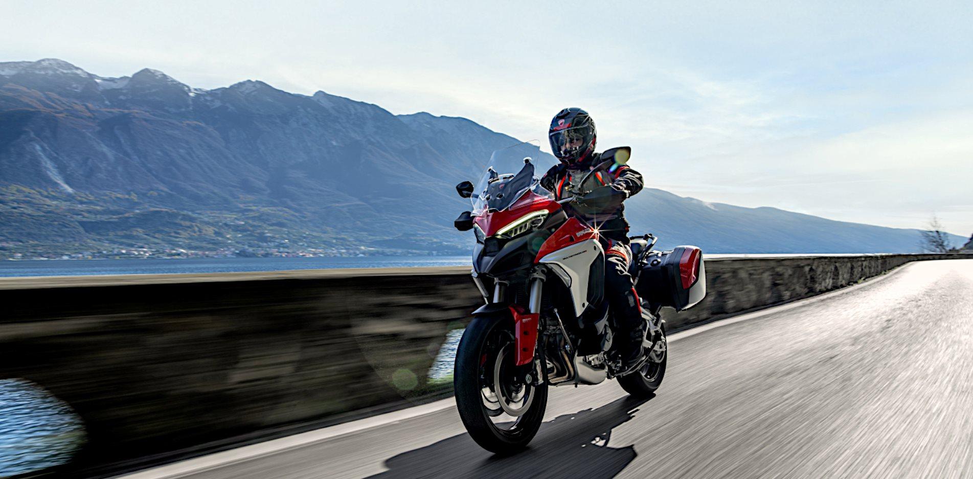 Laden Sie die App herunter und entdecken Sie die Ducati Welt jetzt auch digital– für Ihr individuelles Ducati Erlebnis, ganz egal, wo Sie gerade sind!