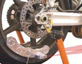 Das  Vermessungs-System ermöglicht einen schnellen, kostengünstigen und praxisgerechten Fahrwerks-Check für Tätigkeitsfeld im Fahrzeugbereich Sport-, und Tourenmotorräder   schneller, lasergenauer Spur-Check   zur Kontr...