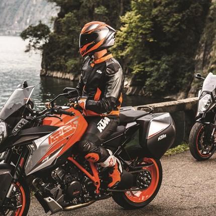 Power Wear Sonderposten  Hier findet Ihr in Kürze KTM Powerwear zu Aktionspreisen!!!
