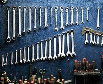 In unserer Meisterwerkstatt ist Ihr Fahrzeug bestens aufgehoben! Ob Kundendienst oder Verschleißteile, wir führen Wartungs- und Reparaturarbeiten aller Art bei Krafträdern durch. Als Vertragswerkstatt für Aprilia, ...