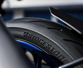 Ob Reifenwechsel, Auswuchten oder Reifenmontage, wir helfen gerne weiter! Wir führen Reifen fast aller namhaften Hersteller. Vereinbaren Sie jetzt einen Termin mit uns!