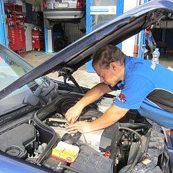 Als Meisterbetrieb und freie Kfz Werkstatt für Autos und Motorräder stehen wir Ihnen bei Fragen und Reparaturen mit Rat und Tat zuverlässig, kompetent und fair zur Seite! Einen Werkstatt Termin können Sie direkt bei uns ...