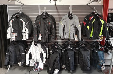 /contribution-ausverkauf-motorradbekleidung-11809