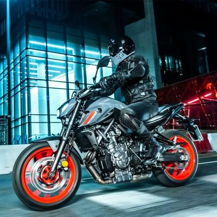 AN- BZW. UMMELDUNG  An- bzw. Ummeldung eines Motorrads/Roller ab 125ccm Hallo liebe Motorrad & Rollerfahrende ?? endlich ist der Traum vom eigenen Fahrzeug erfüllt und nun wollt Ihr es natürlich auch zulassen. Darum haben wir hier für euch ...